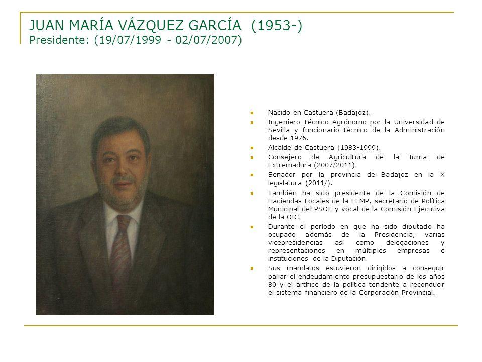 Nacido en Castuera (Badajoz). Ingeniero Técnico Agrónomo por la Universidad de Sevilla y funcionario técnico de la Administración desde 1976. Alcalde