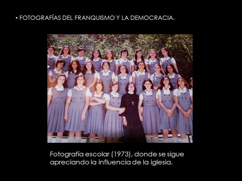 Fotografía escolar (1973), donde se sigue apreciando la influencia de la iglesia. FOTOGRAFÍAS DEL FRANQUISMO Y LA DEMOCRACIA.