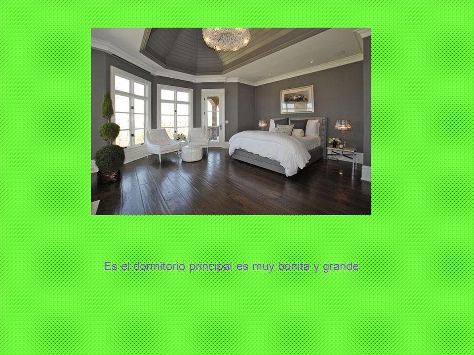 Es el dormitorio principal es muy bonita y grande