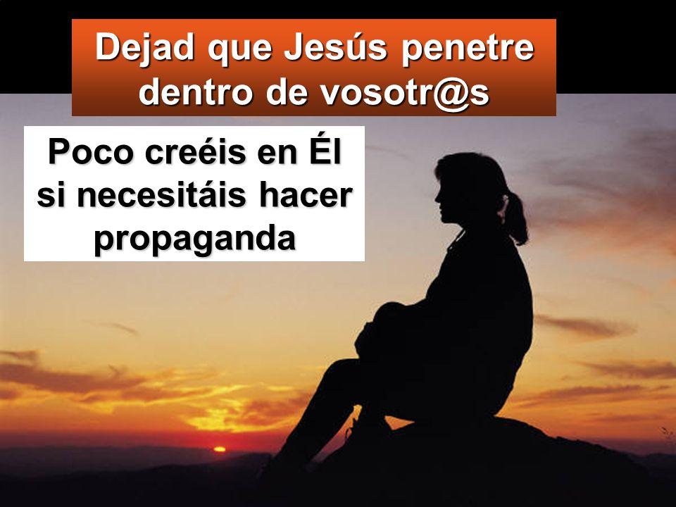 Él les mandó que no lo dijeran a nadie; pero, cuanto más se lo mandaba, con más insistencia lo proclamaban ellos.