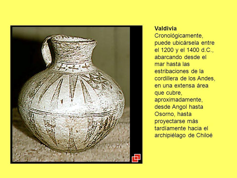 Cronológicamente, puede ubicársela entre el 1200 y el 1400 d.C., abarcando desde el mar hasta las estribaciones de la cordillera de los Andes, en una