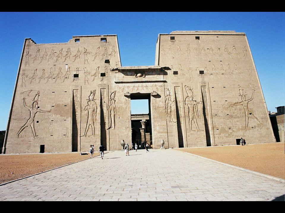 Los Tesoros de los egipcios 91 kilogramos … ¡91 kilogramos de ORO SÓLIDO.