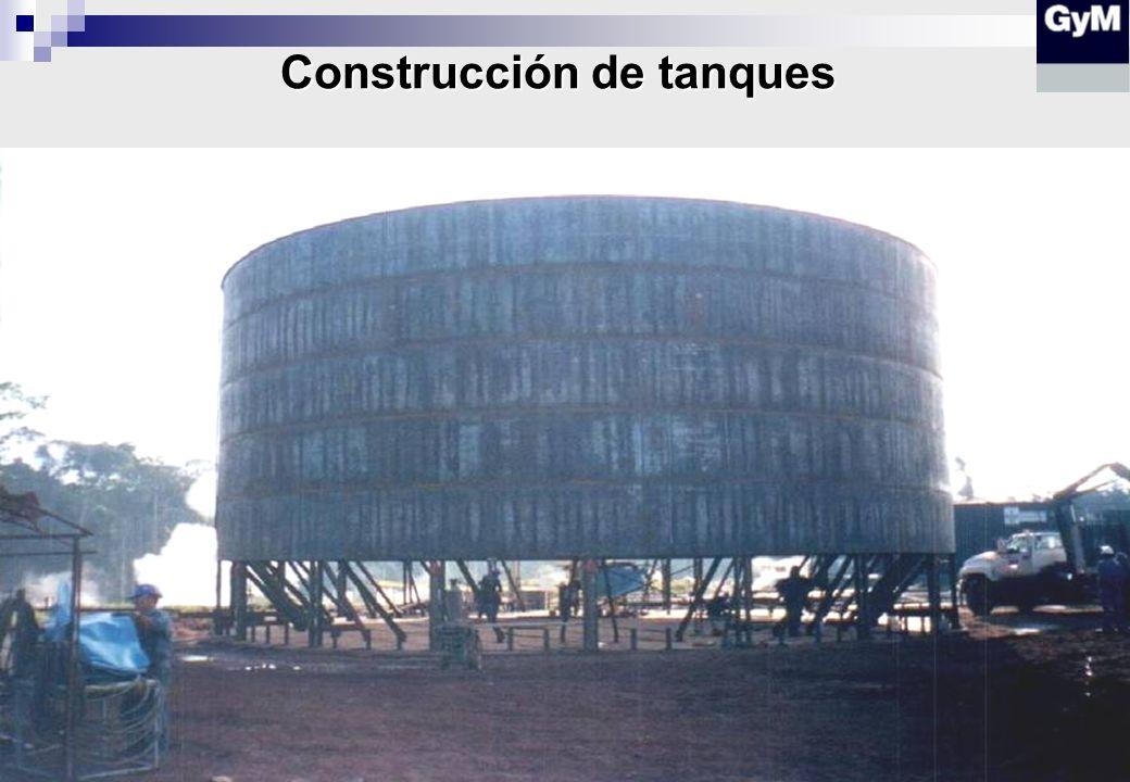 Construcción de oleoductos en campo