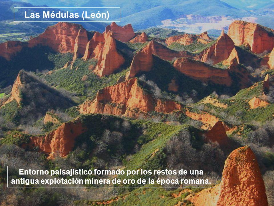 Entorno paisajístico formado por los restos de una antigua explotación minera de oro de la época romana. Las Médulas (León)