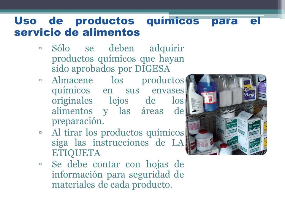 Sólo se deben adquirir productos químicos que hayan sido aprobados por DIGESA Almacene los productos químicos en sus envases originales lejos de los a