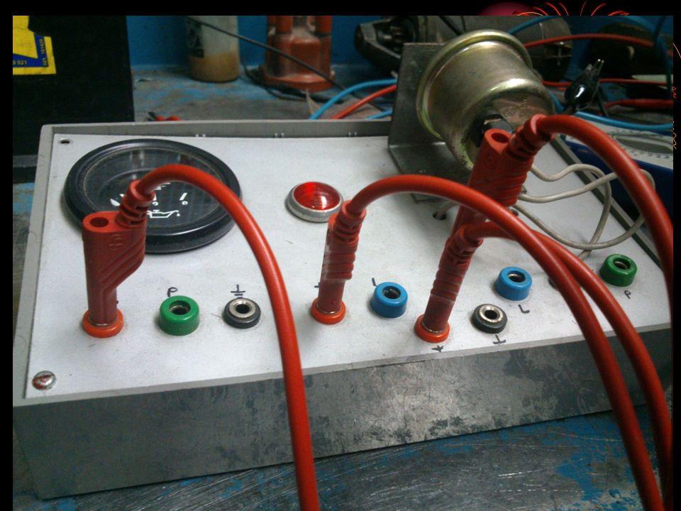 Comprobaciones: Lampara:se desconecta el terminal azul del sensor(1) y se conecta a masa la lampara sen encendera.