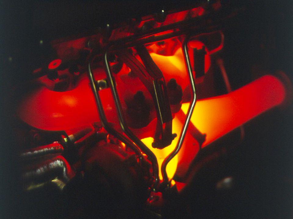 VRS 08/2004 Kit de potencia Cayenne Turbo 18 Aumento de ancho de 9 a 10 en eje trasero (eje delantero sigue teniendo 9) - 10J x 20 con neumáticos 275/40 R 20, bombeo 55 - Diseño más ancho y deportivo Disponible a través de programa individual (Exclusive/Opción I) - Código de opción: CY3 - Inicio de fabricación: Semana 45 - Vehículos disponibles: Diciembre 2004 - Código de opción rueda pintada: CY4 Disponible a través de Tequipment - Nº juego ruedas: 955 044 602 13 - Precio neto : 4.470 - Juego con contr.