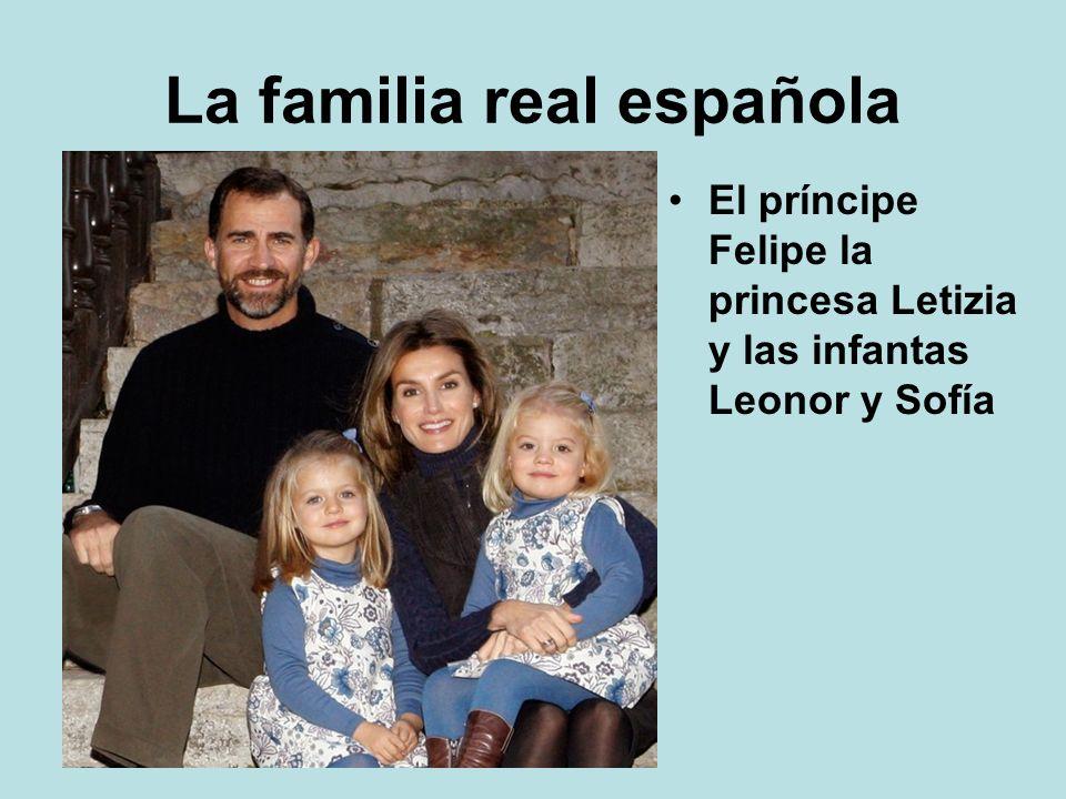 La familia real española El príncipe Felipe la princesa Letizia y las infantas Leonor y Sofía
