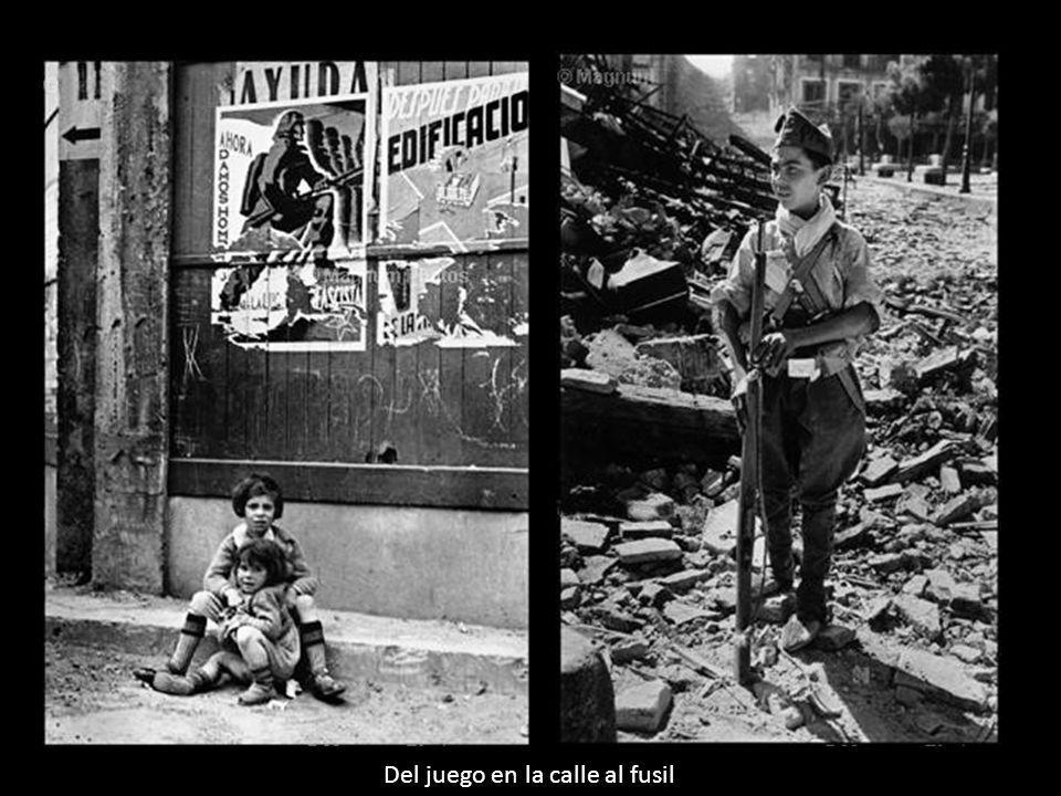 Impresionante imagen tomada por Centelles. La guerra se había adueñado de la realidad cotidiana y hasta los niños la asumían en sus juegos
