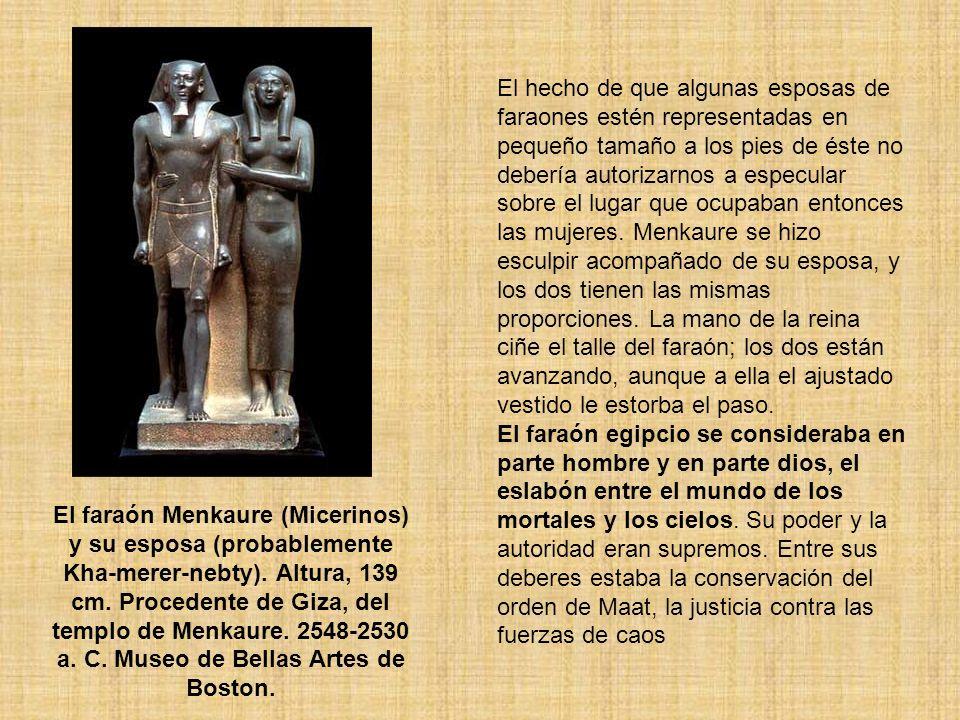 El hecho de que algunas esposas de faraones estén representadas en pequeño tamaño a los pies de éste no debería autorizarnos a especular sobre el luga