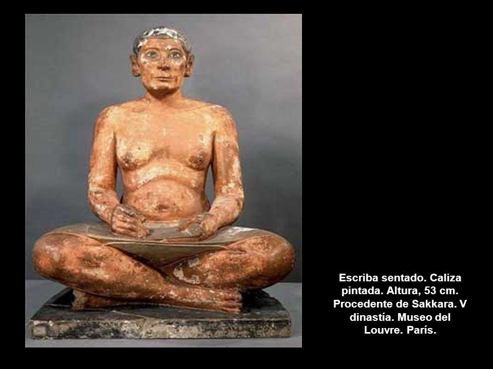 Escriba sentado. Caliza pintada. Altura, 53 cm. Procedente de Sakkara. V dinastía. Museo del Louvre. París.