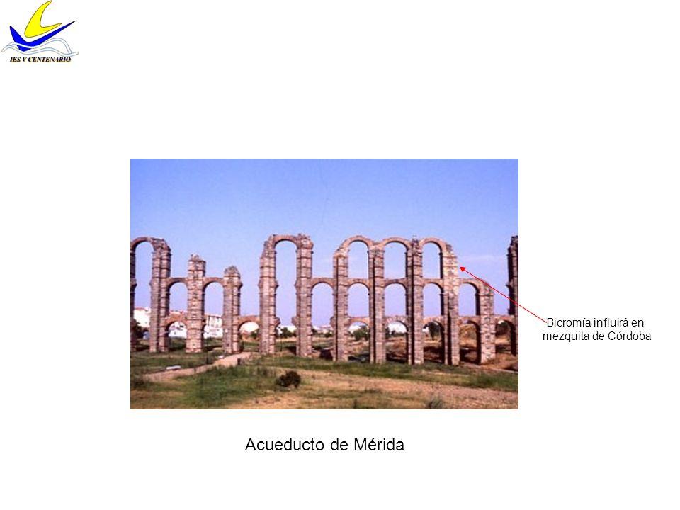 Acueducto de Segovia Unión viva de sillares Verticalidad equilibrada con líneas de imposta Salvar desnivel para conducir el agua (cuerpo superior siempre igual, inferior se adapta a irregularidad del terreno) Combinación arco y dintel