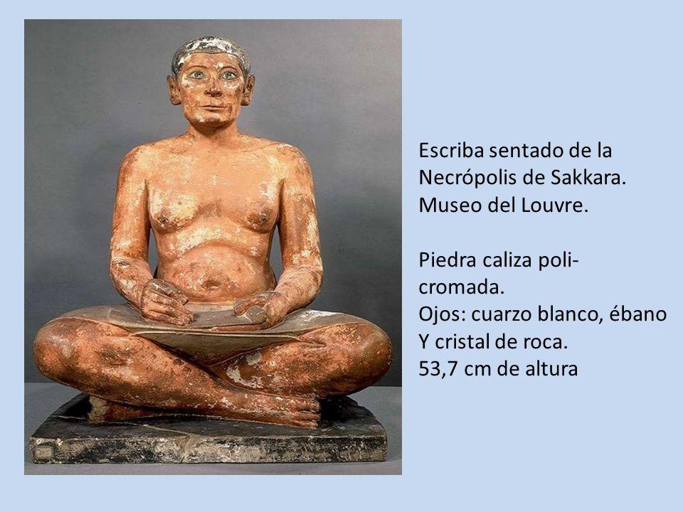 Escriba sentado de la Necrópolis de Sakkara. Museo del Louvre. Piedra caliza poli- cromada. Ojos: cuarzo blanco, ébano Y cristal de roca. 53,7 cm de a