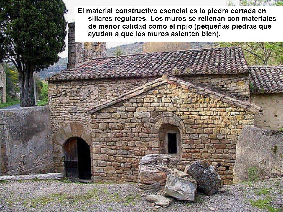 El material constructivo esencial es la piedra cortada en sillares regulares. Los muros se rellenan con materiales de menor calidad como el ripio (peq