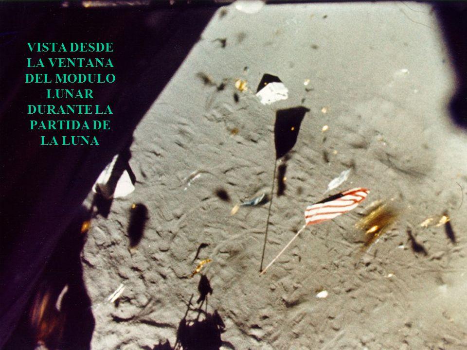 SOMBRAS DEL MODULO LUNAR Y BANDERA DE EE.UU.