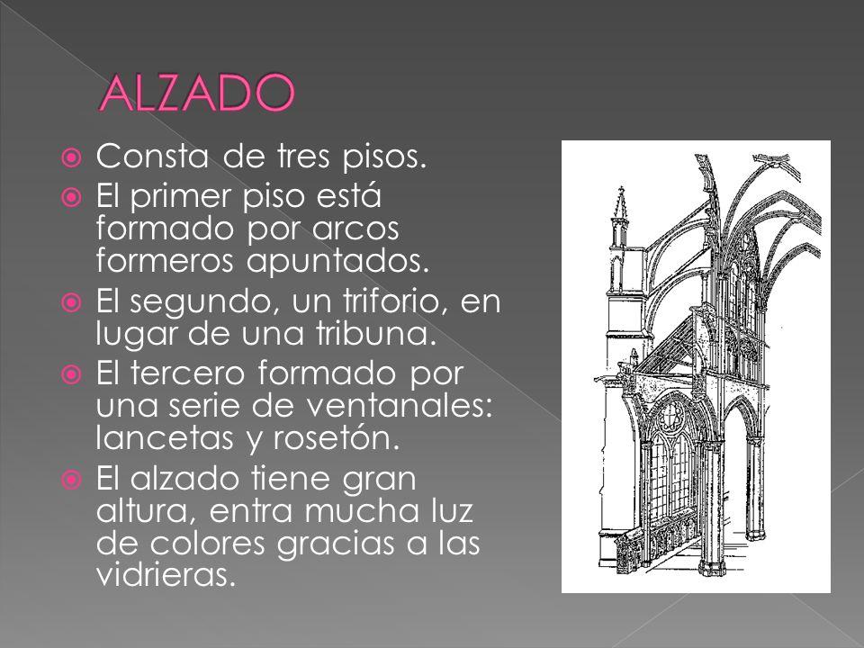 Consta de tres pisos. El primer piso está formado por arcos formeros apuntados. El segundo, un triforio, en lugar de una tribuna. El tercero formado p