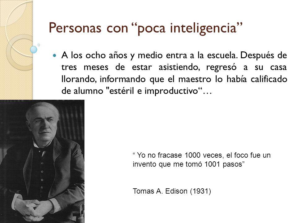 Definición de Inteligencia La palabra inteligencia es de origen latino, intelligent ĭ a, que proviene de inteligere, término compuesto de intus entre y legere escoger , por lo que, etimológicamente, inteligente es quien sabe escoger