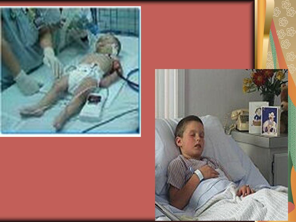 Masaje cardiaco en un niño mayor de 8 años y adulto (se utilizan ambas manos)