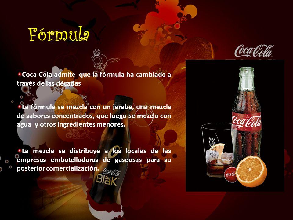 Coca-Cola admite que la fórmula ha cambiado a través de las décadas La fórmula se mezcla con un jarabe, una mezcla de sabores concentrados, que luego