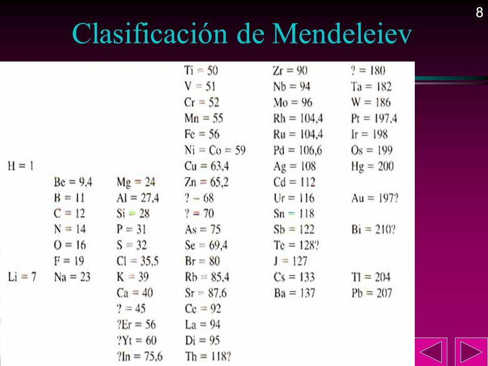 9 La tabla periódica actual l En 1913 Moseley ordenó los elementos de la tabla periódica usando como criterio de clasificación el número atómico.