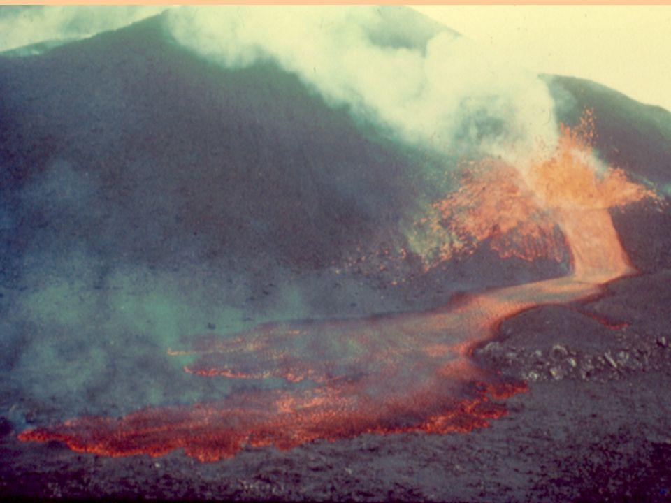 Plataforma continental Dorsal Talud Islas volcánicas Sedimentos Litosfera Placa APlaca B Litosfera Corteza oceánica Zona de fractura En las dorsales las rocas son actuales y su antigüedad se incrementa al distanciarnos de ellas.