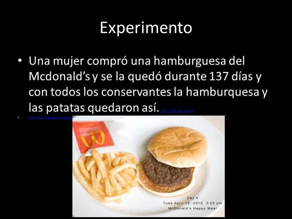 Experimento Una mujer compró una hamburguesa del Mcdonalds y se la quedó durante 137 días y con todos los conservantes la hamburquesa y las patatas qu
