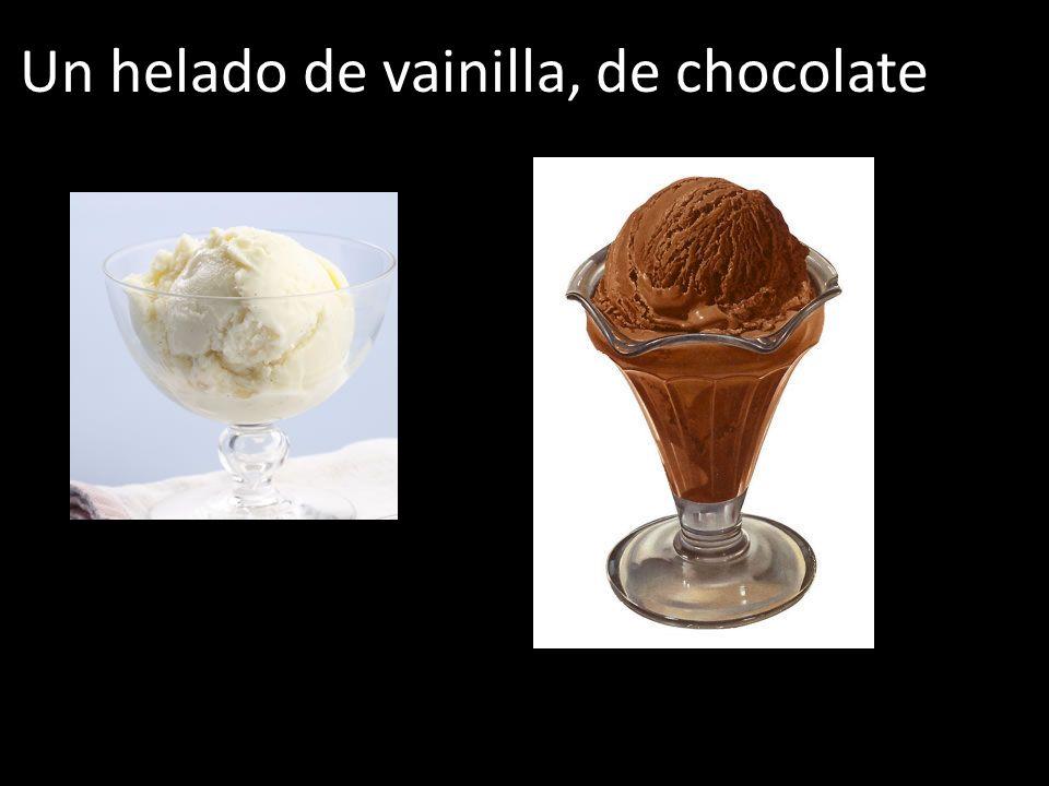 Un helado de vainilla, de chocolate