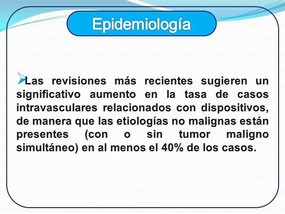 SíntomasSignos Edema facial y del cuello (82%).Disnea, ortopnea (54%).