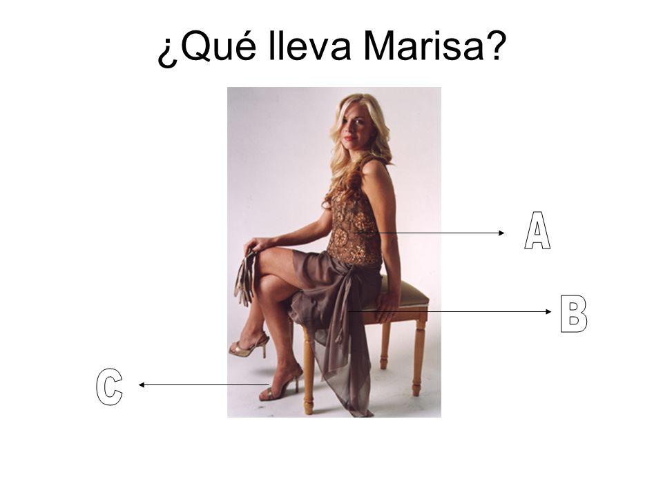 ¿Qué lleva Marisa?