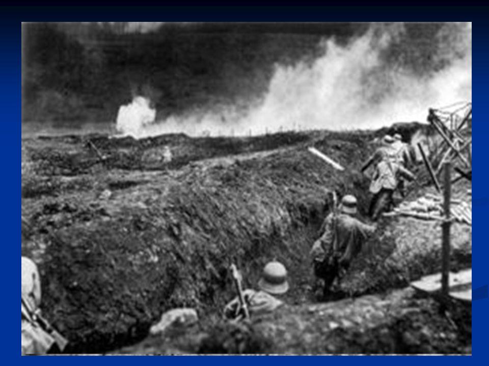 FASES DE LA GUERRA 1918: EL DESENLACE El abandono de la guerra por parte de la Rusia revolucionaria permitió a Alemania concentrar todas sus fuerzas en el frente occidental.