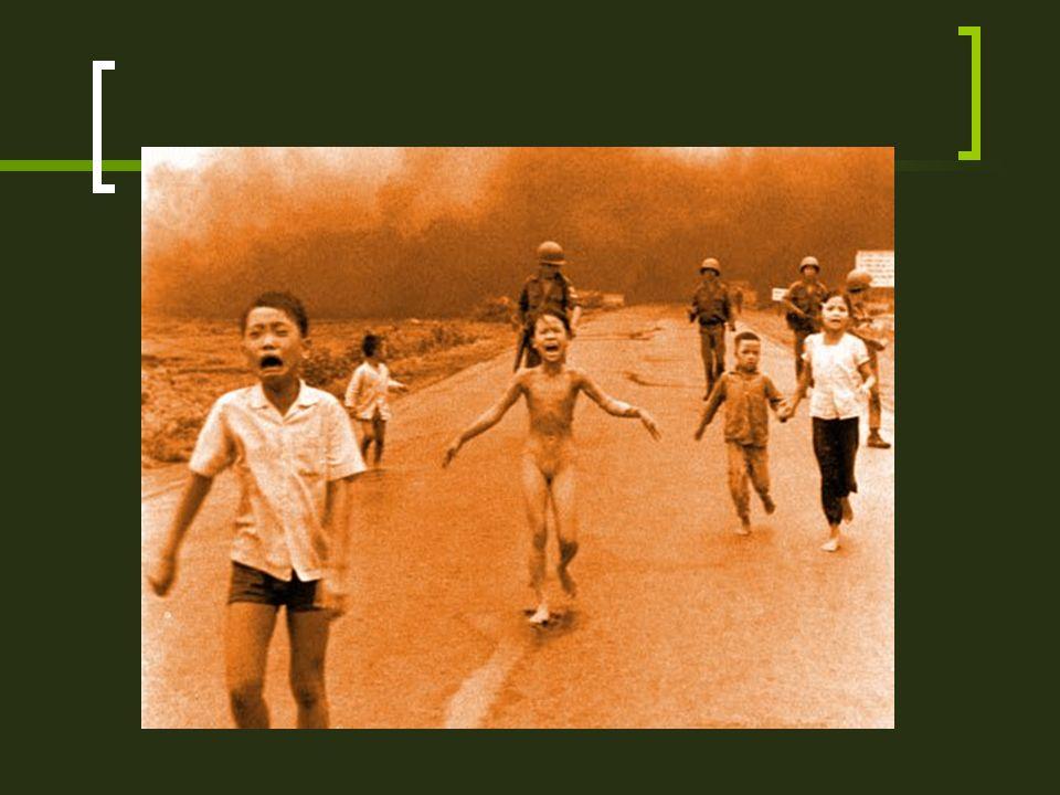 FASES DE LA GUERRA 3ª fase (1968-1973). El presidente norteamericano Nixon defiende la vietnamización de la contienda, la retirada progresiva de las t