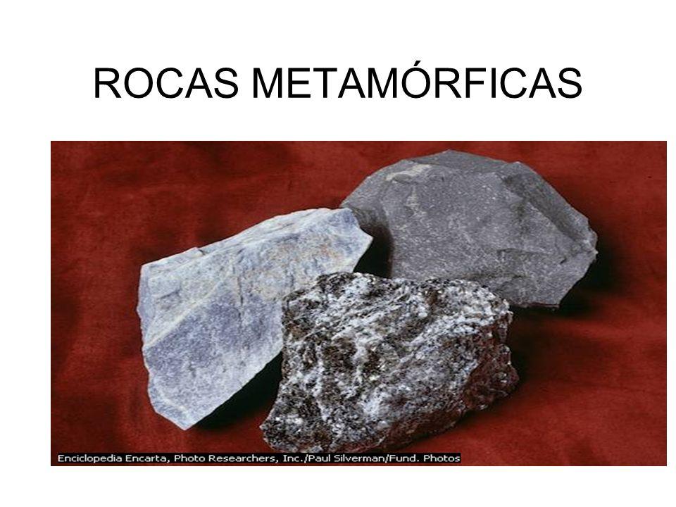 ROCAS QUÍMICAS Se originan por la acción del agua de lluvia, cargada de anhídrido carbónico sobre las rocas calcáreas. Son llamadas salinas que pueden