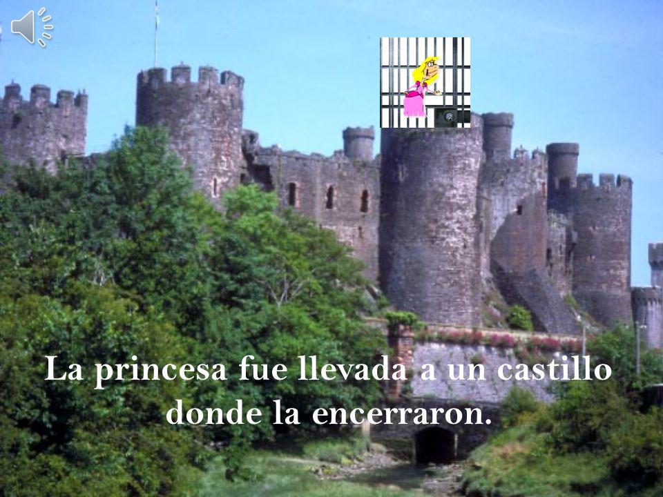 La reina de las hadas quería el reino de su padre, pero el rey se negó. El reino es Mio!!!! Quiero el reino!!