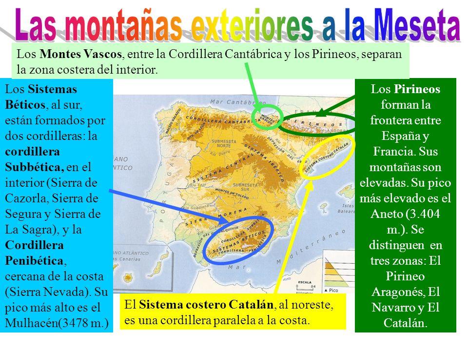 Los Pirineos forman la frontera entre España y Francia. Sus montañas son elevadas. Su pico más elevado es el Aneto (3.404 m.). Se distinguen en tres z