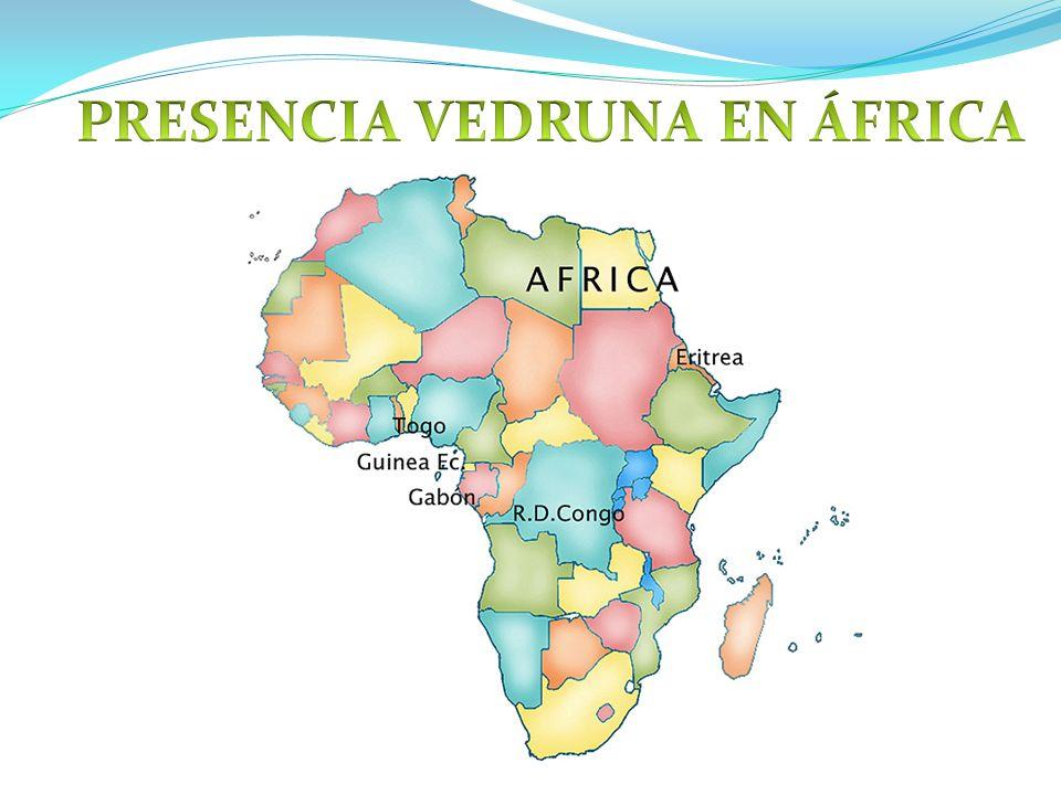 Hay dos comunidades : en Moanda y en Libreville Moanda en 1989 Libreville en 1993 Togo en 2004 Anteriormente en Guinea: 1980 Añisok, 1986 Okong y 1991 Bata ANTECEDENTES El inicio del trabajo con los niños de la calle en Libreville data de los años 1993-94.