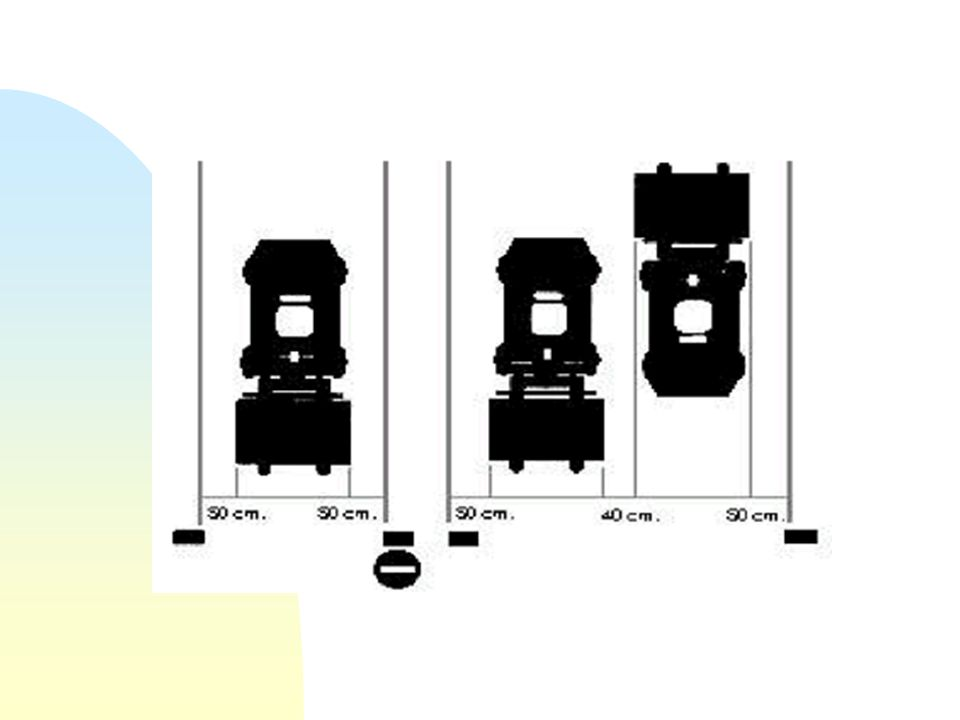 LOCALES DE TRABAJO n PASILLOS DE CIRCULACIÓN: u Su anchura no debe ser inferior en sentido único a la anchura del vehículo o a la de la carga incremen