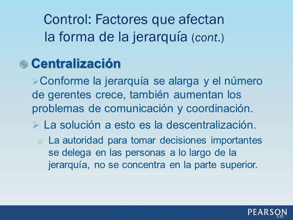 Centralización Centralización Conforme la jerarquía se alarga y el número de gerentes crece, también aumentan los problemas de comunicación y coordina