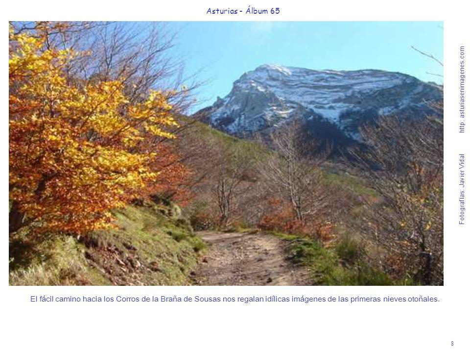 9 Asturias - Álbum 65 Fotografías: Javier Vidal http: asturiasenimagenes.com Vista retrospectiva subiendo a la Braña de Sousas (nada más pasar el mirador de Peña Furada, a la derecha de la foto) de un teito en Braña Fuexu, junto a la pradera de la Cueva.