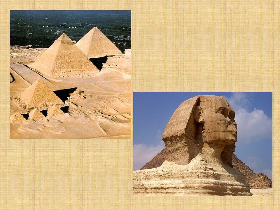 Pirámide romboidal 2.570 a.c.