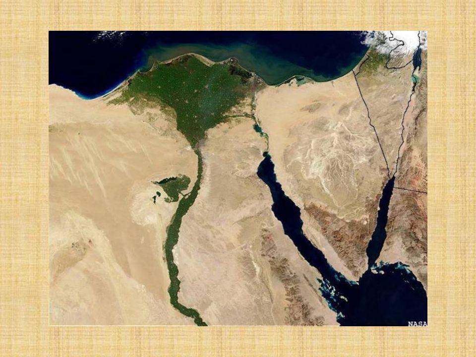 Desarrollado en el valle del Río Nilo, rodeado de desiertos De Arabia, Libia, Nubia y Siria.