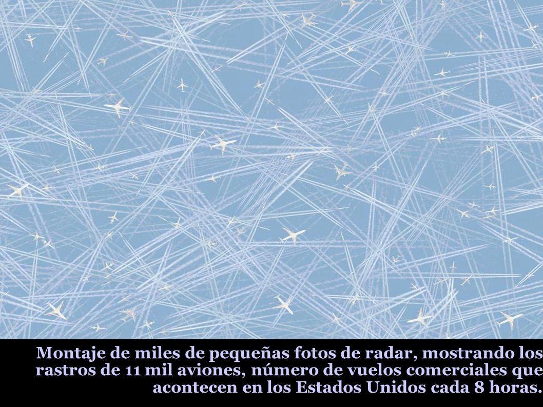 Montaje de miles de pequeñas fotos de radar, mostrando los rastros de 11 mil aviones, número de vuelos comerciales que acontecen en los Estados Unidos cada 8 horas.