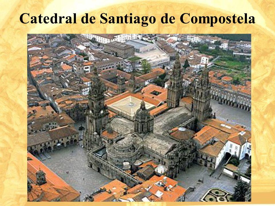 Es desde la Edad Media uno de los principales centros de peregrinación, al que se acude para visitar la tumba del Apóstol Santiago.