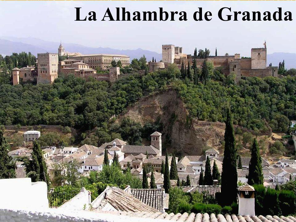 La Alhambra es un conjunto amurallado de edificaciones y jardines, situado en una colina de la ciudad de Granada y construido durante los últimos siglos de dominio musulmán en la península Ibérica.
