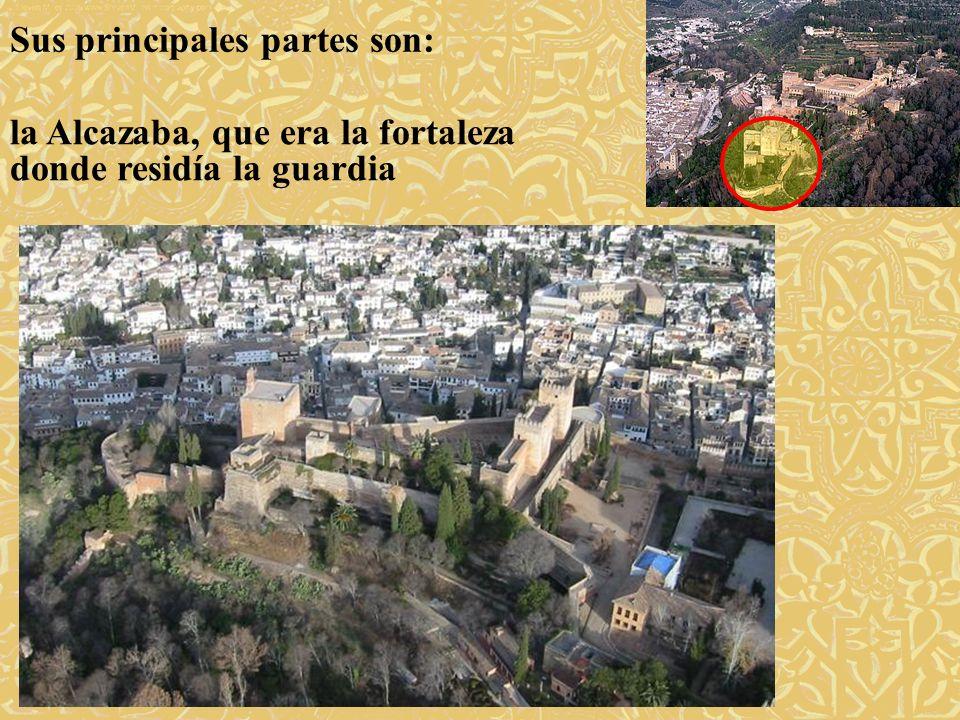 Sus principales partes son: los palacios donde residían los reyes granadinos