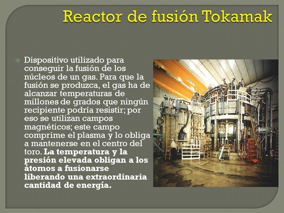 Requiere de una energía de activación muy elevada en comparación con la fisión nuclear inducida por neutrones (100-300 millones de grados) Para genera