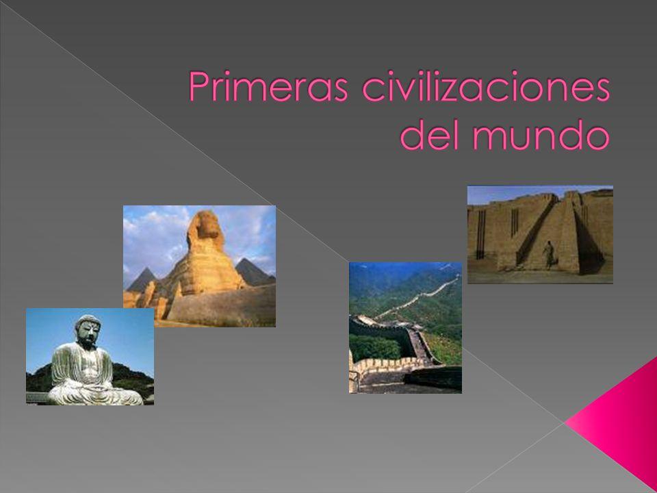 Hacia fines de la Prehistoria las ciudades se hicieron más grandes y complejas, reuniendo a miles de personas.