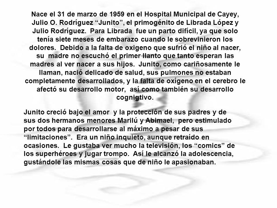 Siendo Junito un adulto joven, de aproximadamente 21 años, comienza a interesarse en las Artes Marciales, gracias a un primo suyo llamado Oscar Cuevas, quien lo matricula en el Gimnasio Municipal de Cayey, localizado en la calle José de Diego.