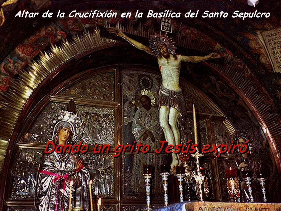 Altar de la Crucifixión en la Basílica del Santo Sepulcro Dando un grito Jesús expiró.