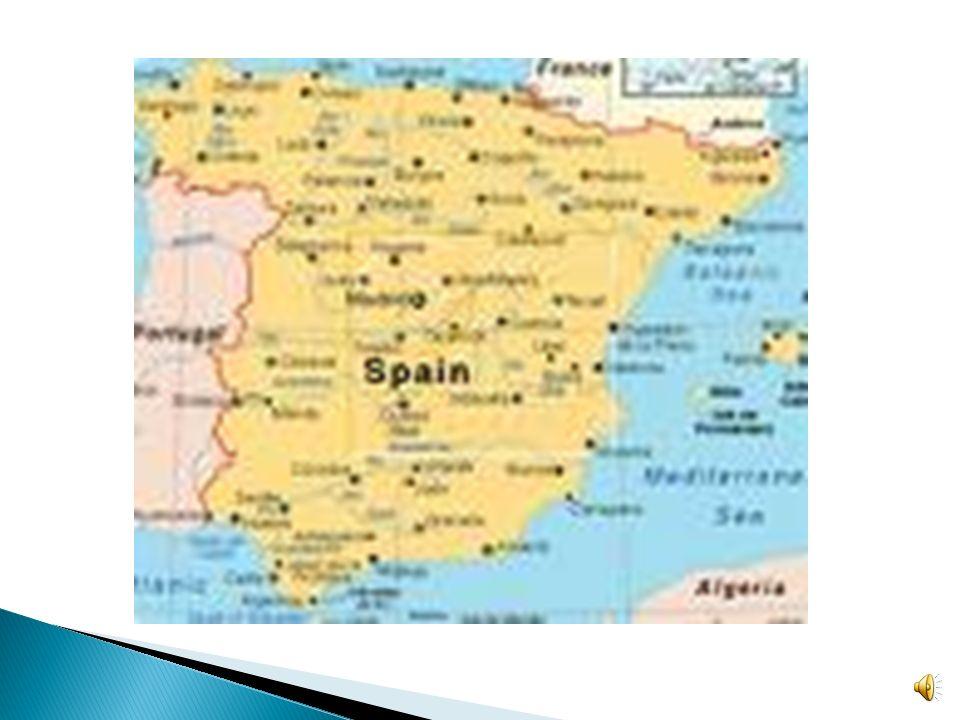 Espana esta rodeada al norte por la bahia de Biscay, Francia y Andorra; al este por el Mar Mediterraneano al sur por el Mar Mediterraneano y el Oceano Atlantico, al Oeste por Portugal y el Oceano Atlantico.