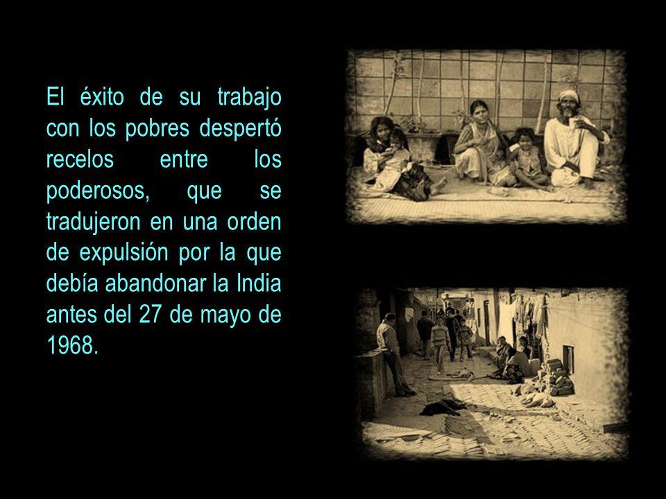 EL LEGADO DE VICENTE FERRER LA MUJER En 1982, la Fundación Vicente Ferrer (FVF) inició un programa de desarrollo de la mujer para conseguir revalorizar su papel en la sociedad, a través de la educación y de la asociación de las mujeres.